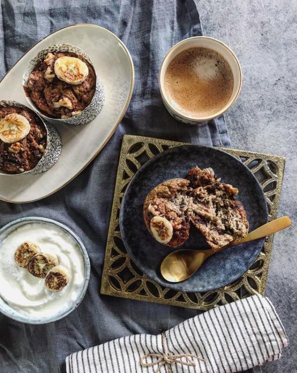 Banánové muffiny s čokoládou a vlašskými ořechy