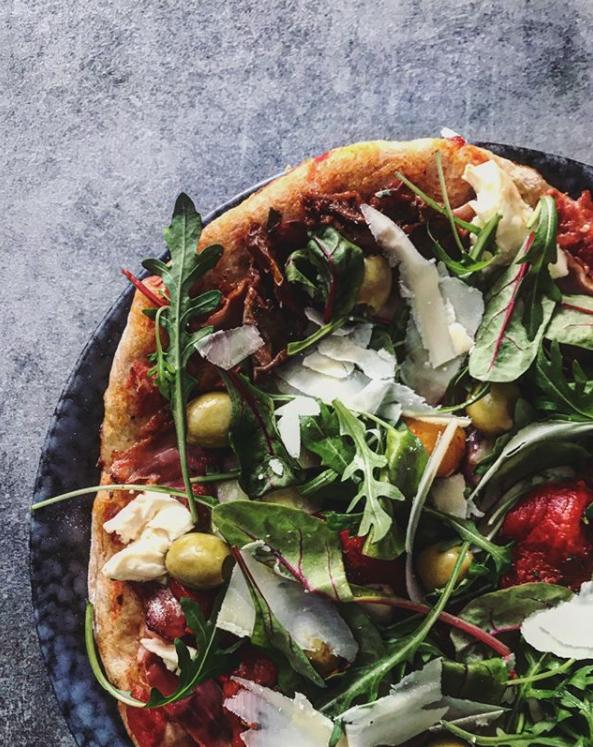 Pizza z celozrnné mouky