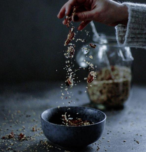 Granola s pekanovými ořechy a vanilkou