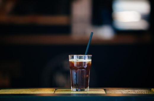 Co si vybrat v kavárně nebo ve fastfoodu?