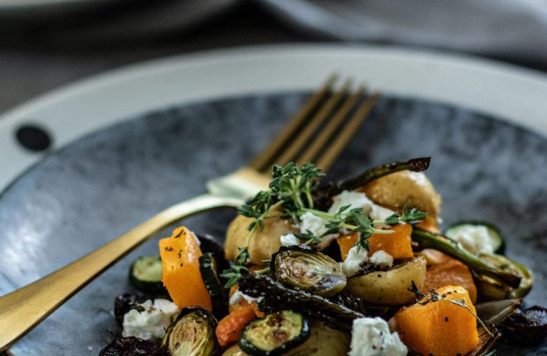 Salát z grilované zeleniny a sýru feta