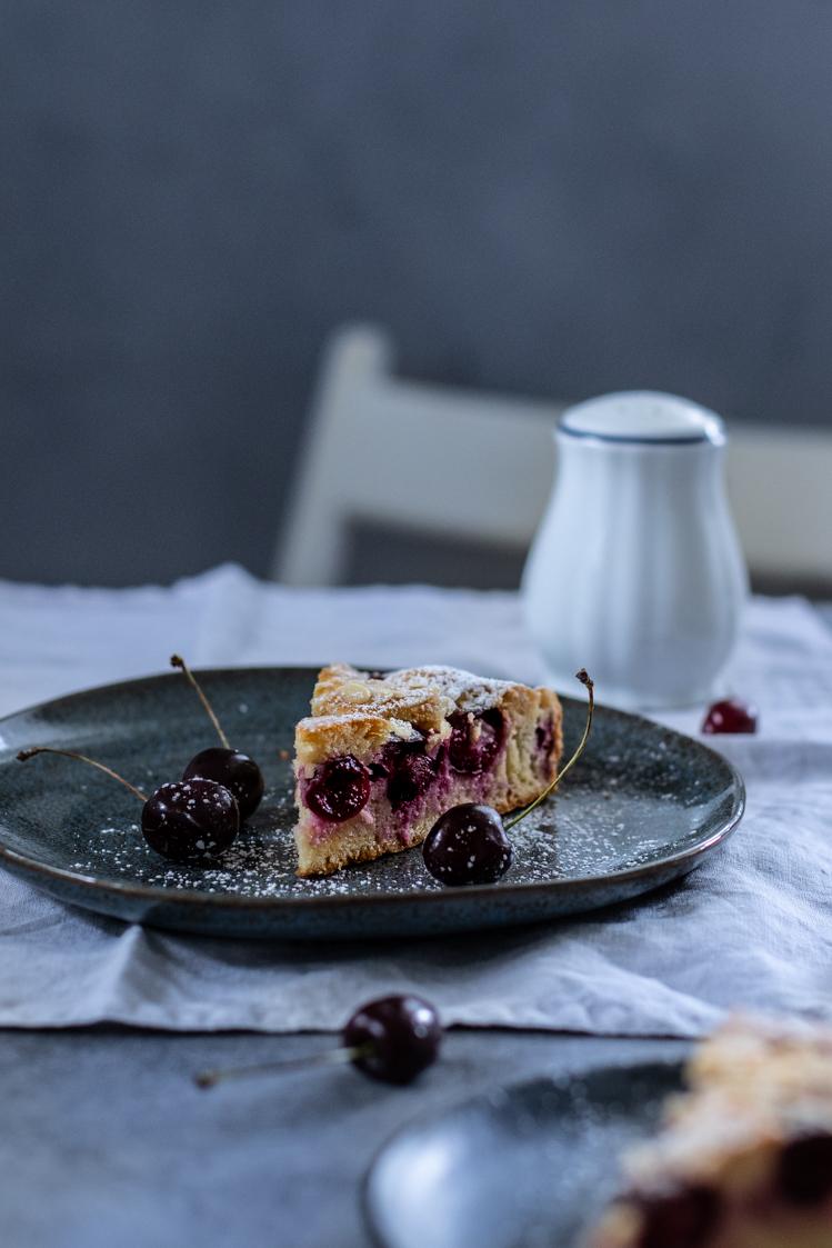 Madlový koláč s třešněmi